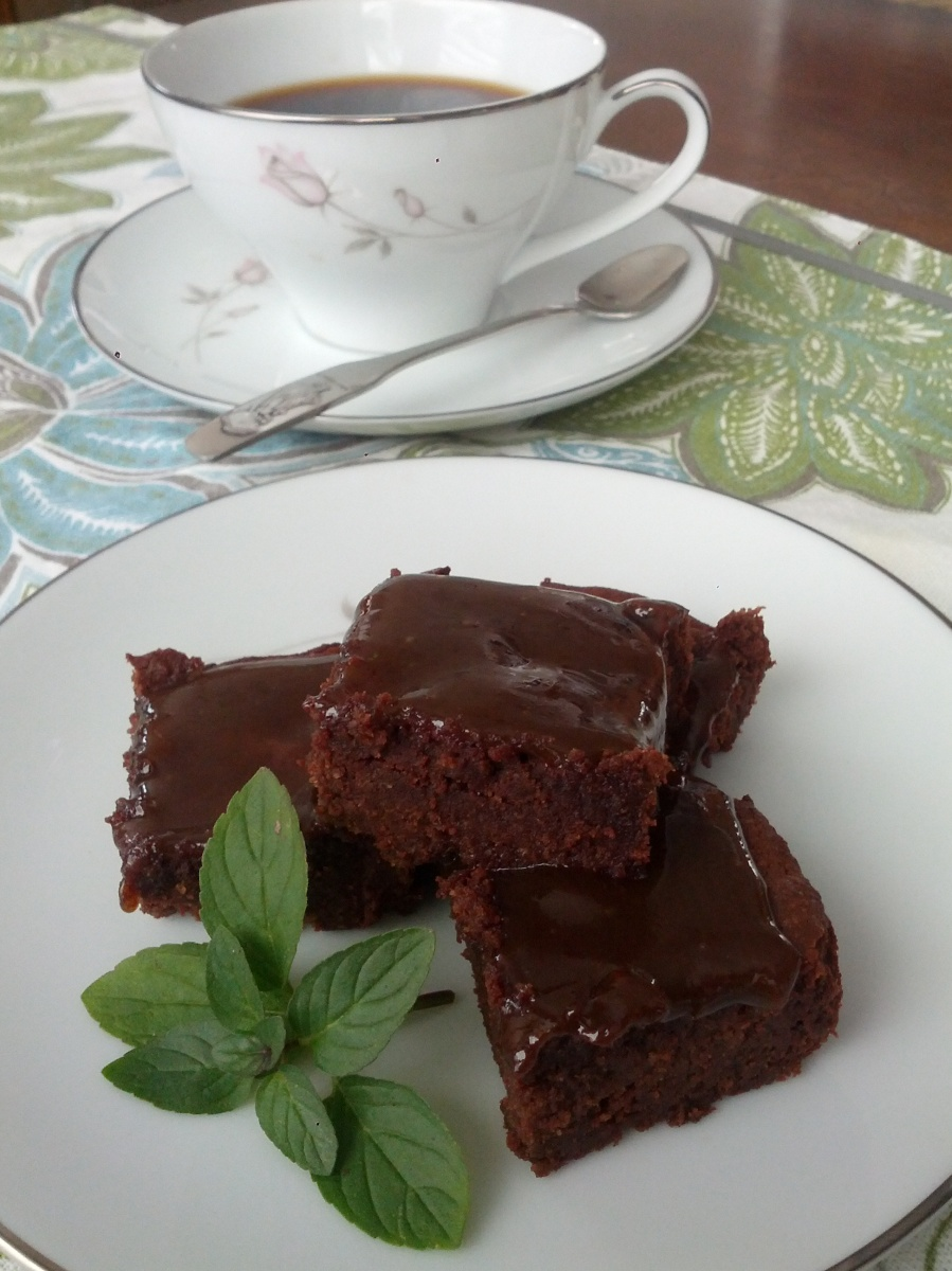 Caramel-Coffee Fudge Brownies {Paleo, Dairy-free}